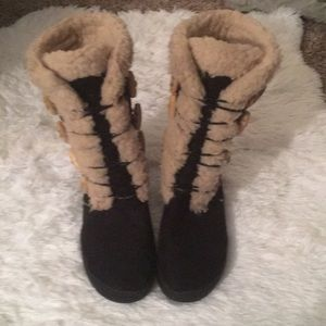 Shoes - Women's Sherpa lined boots
